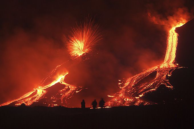 http://a405.idata.over-blog.com/1/07/02/59/Photo-coucou-haiku/2013/etna.jpg