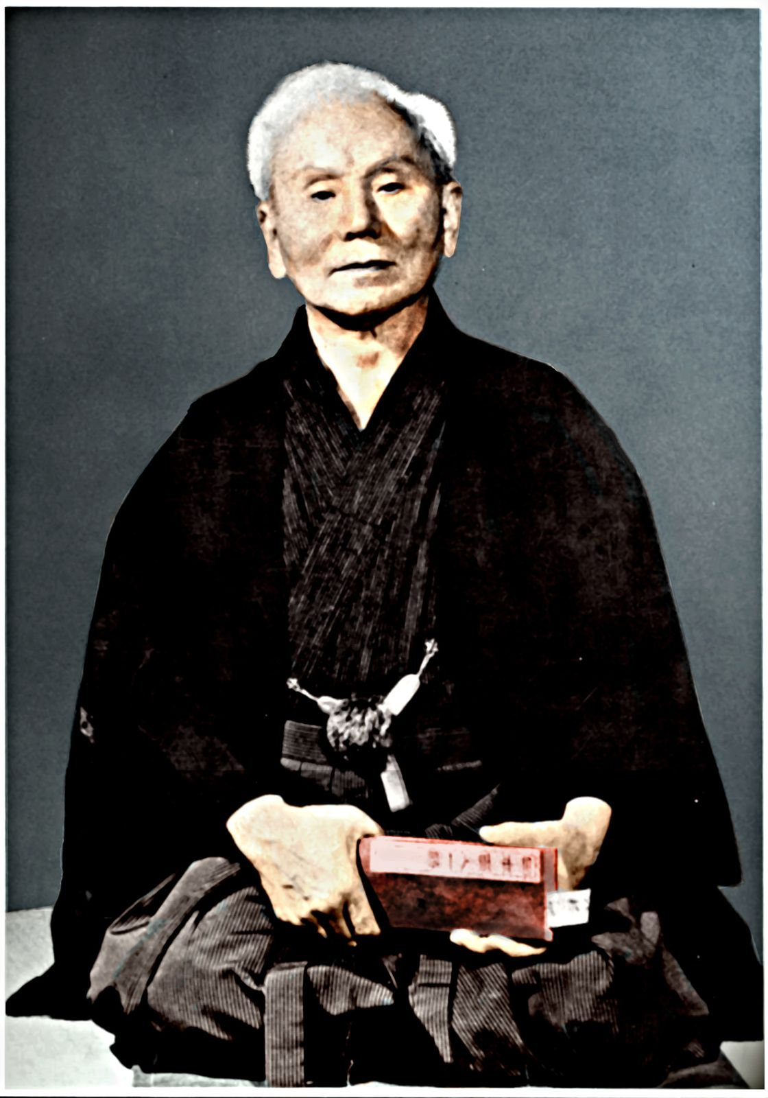 http://a405.idata.over-blog.com/2/40/52/93/Karate-Shotokan-Ma--_----tre-Funakoshi-Photo.jpg